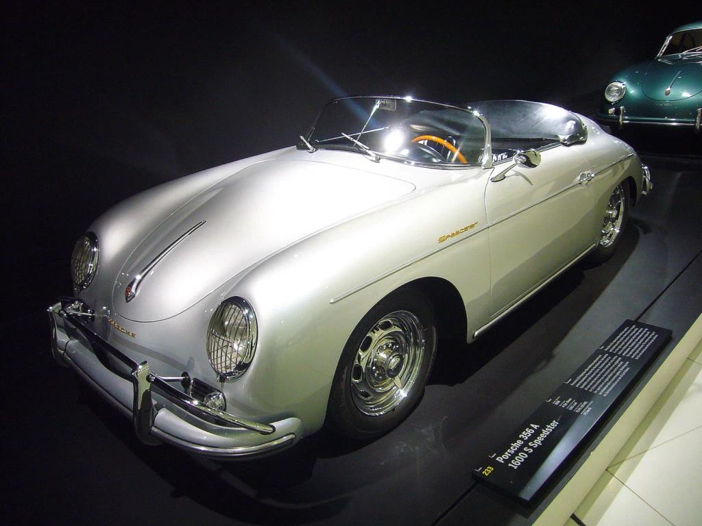 Primer Porsche 911