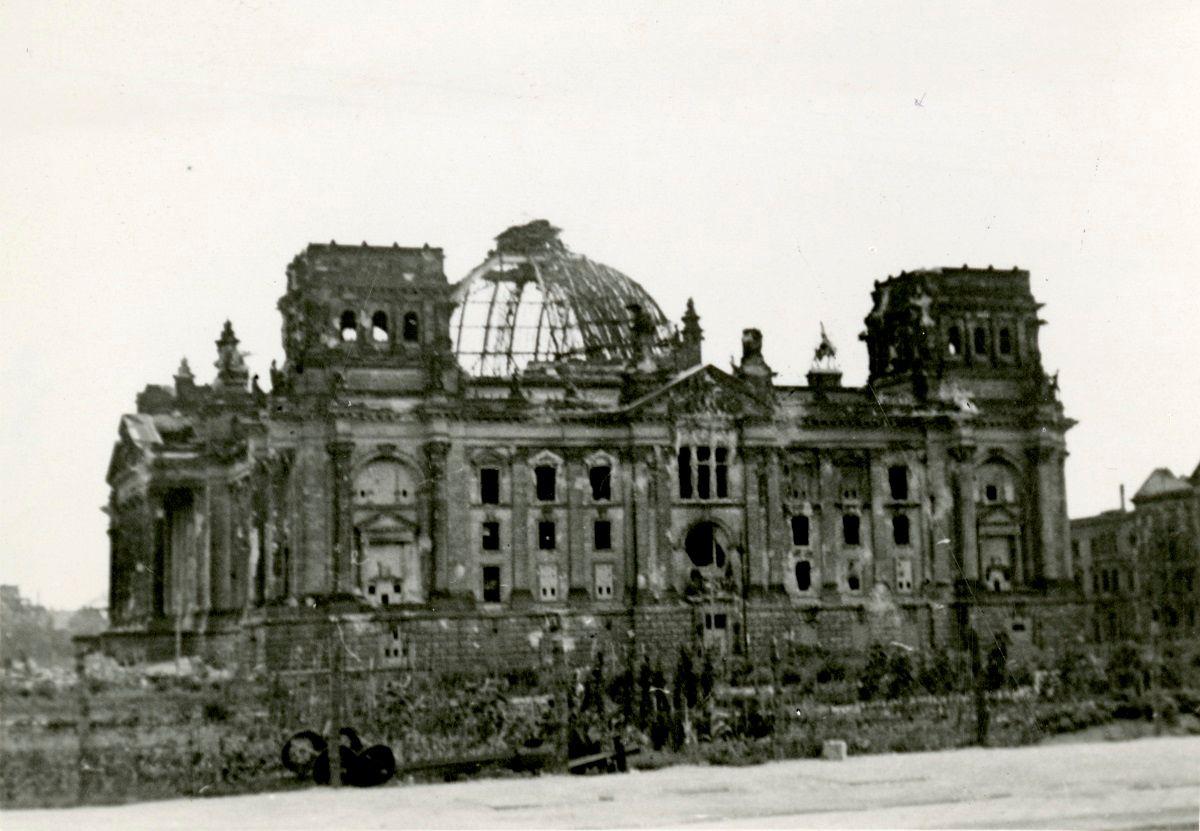 parlamento aleman en ruinas